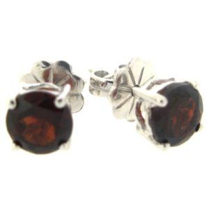 Beautiful Garnet 1.5 carat earrings by Desert Diamonds